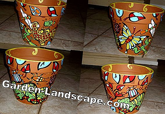 Creative idea: Decorate clay pots with mosaic border