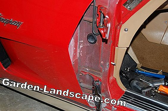 Installing and adjusting the door hinge - Mounting tips