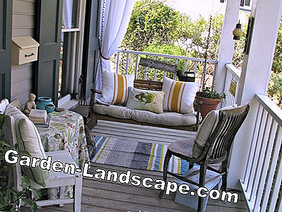 Ideas for balcony design in spring and summer