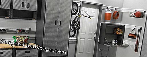 Bicycle garage - choice of materials: wood, plastic or metal?