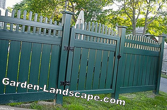 Privacy fence - comparison of materials