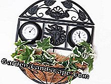 Pretty: clock with planter
